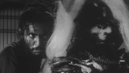 O samurai derrotado que se esconde atrás da velha armadura, que representa as glórias passadas. Esse é o retrato final feito por Kobayashi em Harakiri.